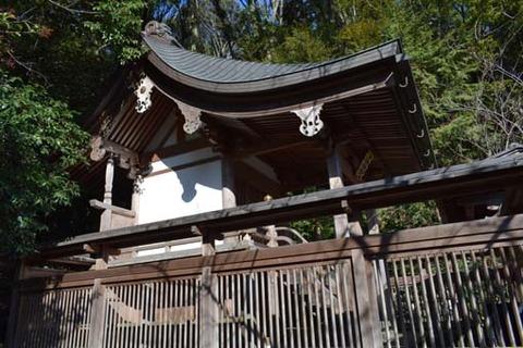 六所神社-本殿-2