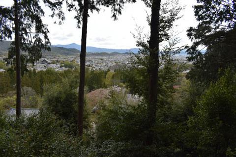 時雨亭からの展望-比叡山