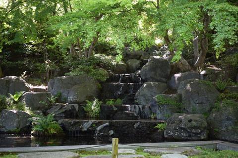 応頂閣の滝
