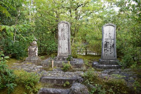 本阿弥一族の墓