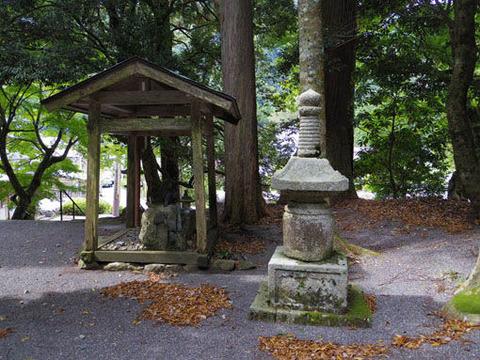 地主神社-手水舎