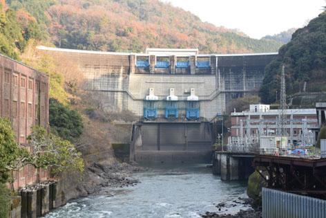 白虹橋からの天ケ瀬ダム