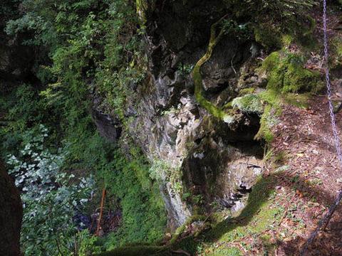 三の滝-崖