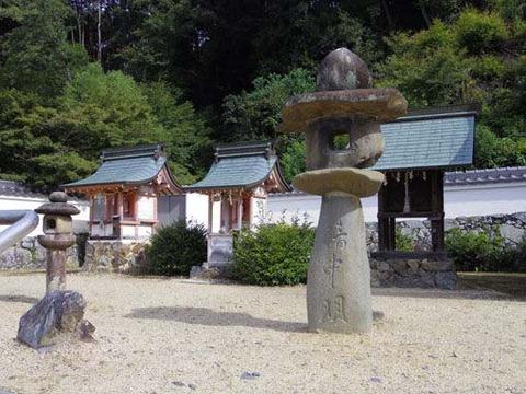 十八神社-境内
