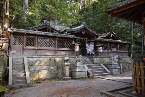 八神社-拝所