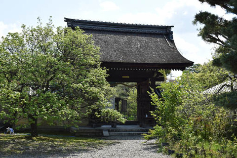 神苑への門