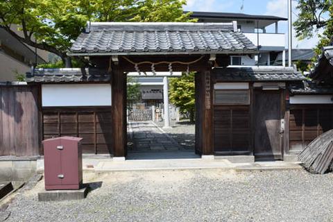 西梅津神明社-門