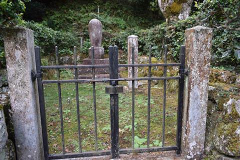 最胤親王の墓