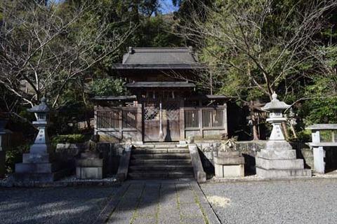 六所神社-本殿-1