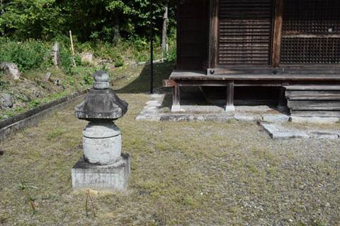 勝華寺-不明な塔