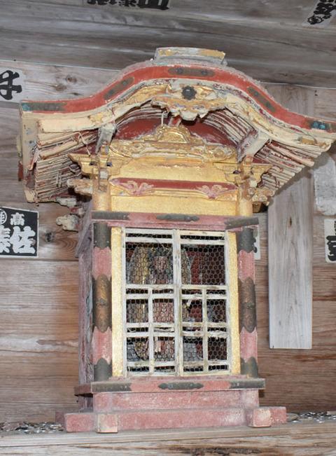 閼伽井堂-堂内の仏像