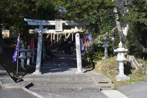 六所神社-鳥居