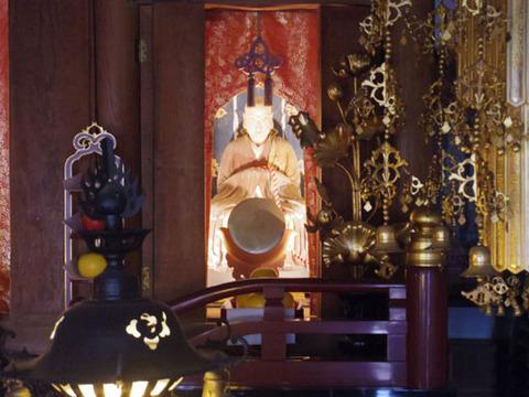 花山法皇像