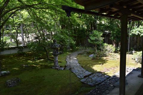 石水院-庭園