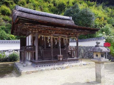 十八神社-社殿