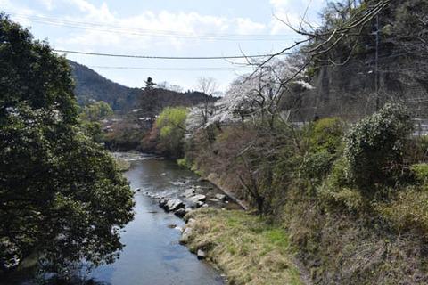 西塔橋から下流方向
