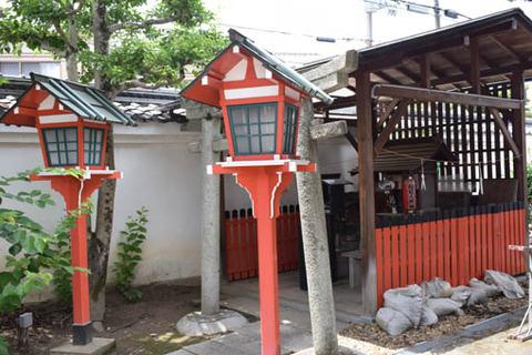 西園寺-稲荷社