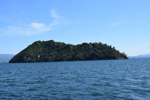 竹生島-西側