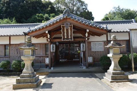 酒殿神社-拝殿-2