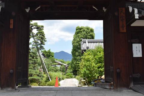 天寧寺-額縁門