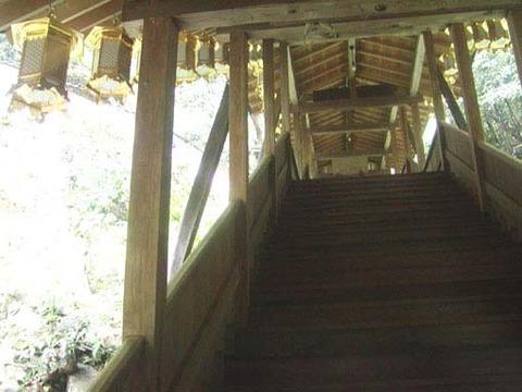 奥之院への階段