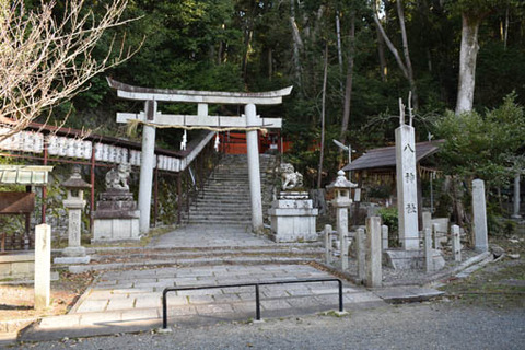 八神社-二の鳥居