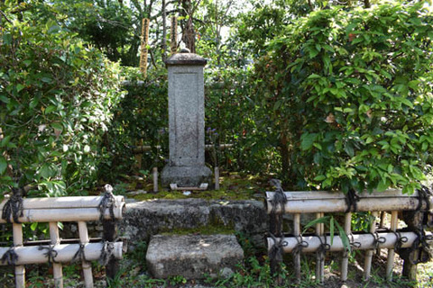 吉野太夫の墓