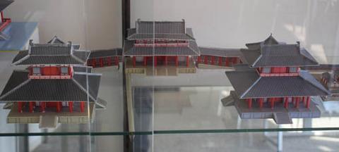 南門及び翔鸞楼などの模型
