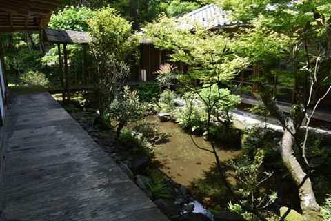 石水院-池