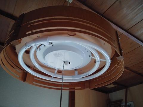 和室の電球
