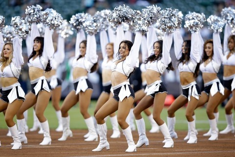 raiders-cheerleaders-640x426
