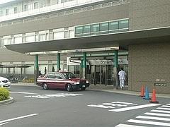 済生会川口総合病院入口