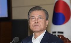 文大統領、北朝鮮の暴言に、ガラスの器を扱うように用心深く