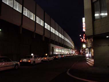 南平岸駅の夜2