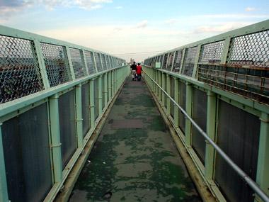 JR白石駅歩道橋