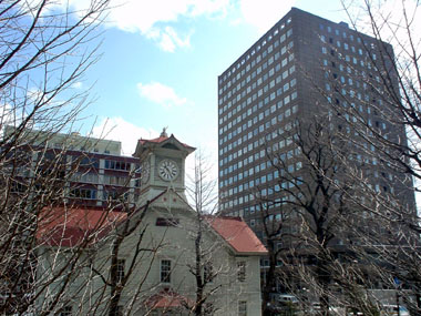 時計台と市役所