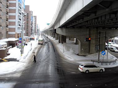 新道東駅2