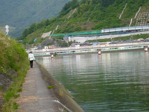 黒瀬川P1030488