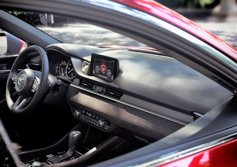 Mazda6_IPM3_Brand_US_SDN_2017_CUT13a