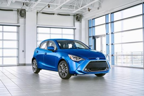 2020_Yaris_Hatchback_001_