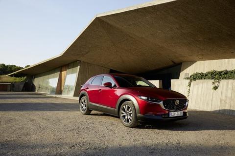Mazda_CX-30_Girona2019_Exterior_32-800x533