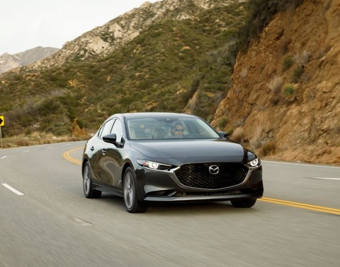 2019_Mazda3_Sedan_Exterior_29
