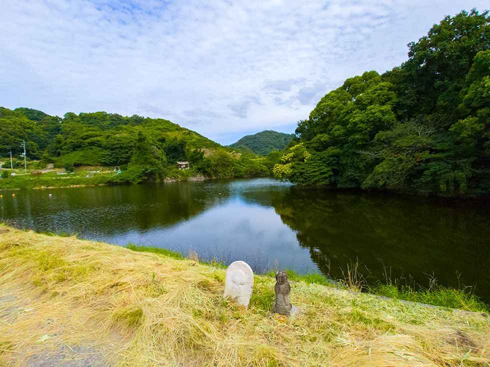 Reservoir_below_Shiomiyama