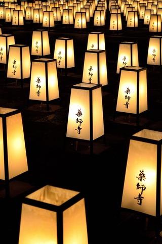 薬師寺万灯供養会 灯籠