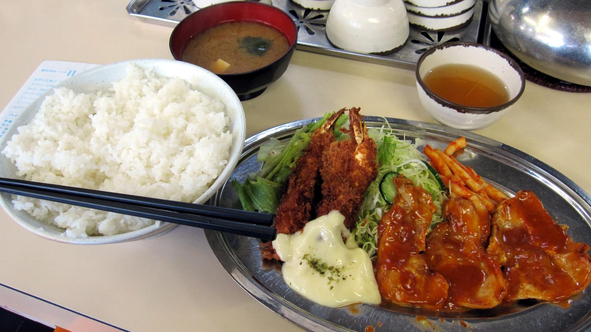 Eitaro × Ninja : ハイライト食堂20品目:ポークソテーとエビフライ定食