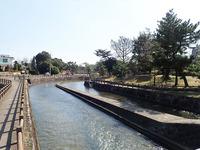 酒津(さかず)公園から倉敷に向かって流れる水路
