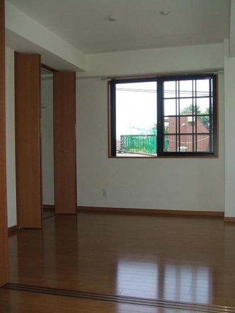 マメゾン明大前 404号室 洋室 (2)