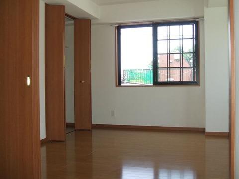 マメゾン明大前 404号室 洋室 (1)