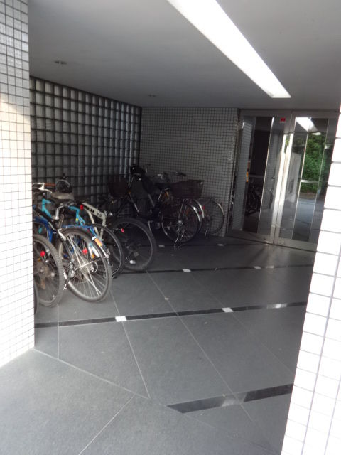 ベルエールカトー 駐輪場