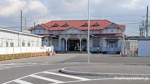 高架化工事の準備が進む南海・浜寺公園駅。